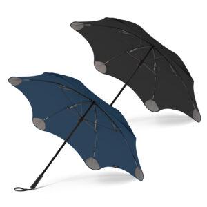 parapluie léger et intégral équipés d'embouts brevetés qui s'ouvrent comme des parapluies miniatures dans des poches au bord de la verrière pour renforcer le parapluie